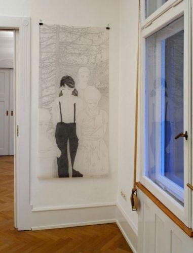 Blick in die Ausstellung: Mädchenbild
