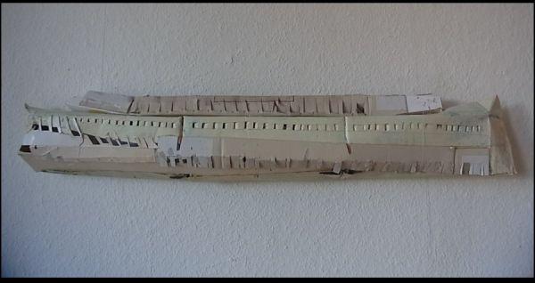 Das Schiff  12 x 65 x 8 cm  Objekt: Öl auf Karton  2014